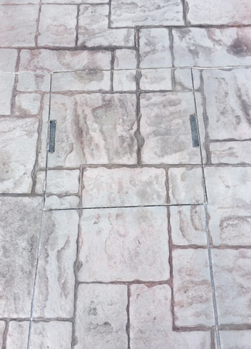 PatternPave Inset Manhole Cover